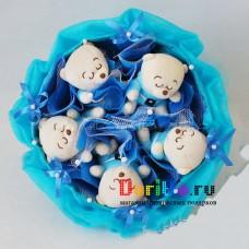 """Букет из игрушек """"Мишки в синем"""""""