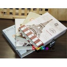 Блокнот дневник с замком Эйфелева Башня