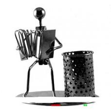 Металлическая фигурка карандашница Баянист